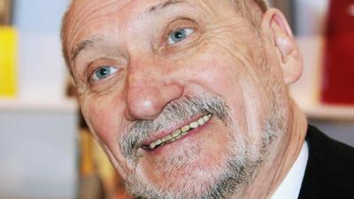 Antoni Macierewicz ogłasza zamach na państwo polskie