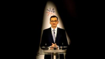 Mateusz Morawiecki rozmawia z duchami! Przemówił do nieboszczyka