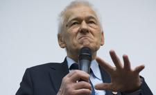 Morawiecki zawodowo wyciąga rękę po pieniędze Polaków, ale oddawać długów nie chce