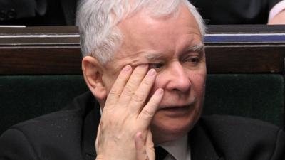 Jarosław Kaczyński rwie włosy z głowy. Jego dramat się pogłębia
