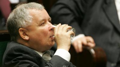 Kaczyński uratował Polaków przed trzeźwością