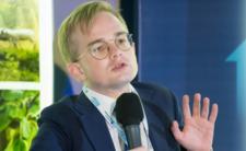 Piotr Patkowski analizuje zarobki Polaków. Jakim cudem został wiceministrem finansów?