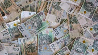 Pensja minimalna jednak nie wzrośnie? Rząd złamał obietnicę
