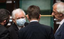 Grunt pali się pod PiS. Kaczyński knuje na Nowogrodzkiej