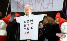Kaczyński znieważony konstytucją? Sąd: metody jak z PRL-u
