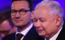 Mateusz Morawiecki spóźnił się na komunię córeczki, bo spędzał czas z prezesem