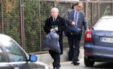 Kaczyński wyrzuci polityków jak śmieci?