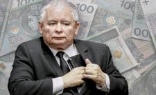 Rząd PiS znowu szasta pieniędzmi Polaków -  na nagrody dla swoich nie żałuje