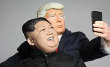 Spotkanie Trumpa z Kimem - negocjacje czy randka?