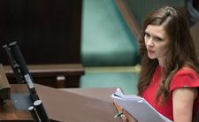 W Sejmie pojawił się nowy Aniołek Kaczyńskiego. Co za uroda
