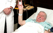 Wałęsa niejedną chorobę już pokonał. Czy wygra ze stopą cukrzycową?