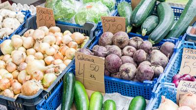 Warzywniak Plus: PiS przejmie kontrolę nad polskim handlem?