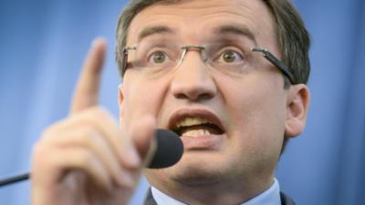 Zbigniew Ziobro chce zniszczyć Reformowany Kościół Katolicki