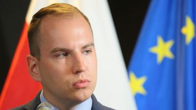 Andruszkiewicz kontra LGBT - nie odda dzieci gejom