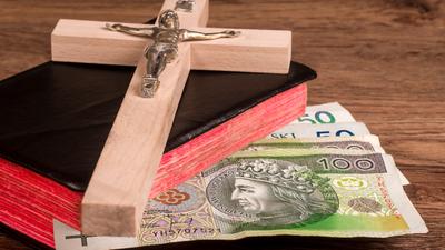 Kościół odda pieniądze za pogrzeb