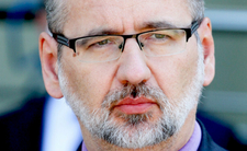 Wirus Delta idzie na Polskę. Niedzielski zapowiada falę pandemii