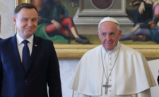 Andrzej Duda i papież robią biznes - w zamian za środki do walki z epidemią dostaniemy siłę modlitwy