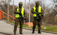 Twardy lockdown w Polsce. Będzie godzina policyjna?