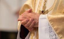 Duchowny ma wszystkich w nosie