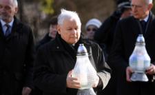 Czy Jarosław Kaczyński pojawi się na cmentarzu 1 listopada mimo zakazów?