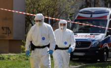Koronawirus i PiS rozkładają Polskę - system się zawali?