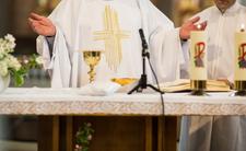 Koronawirus w kościele. Księża ostrzegają wiernych