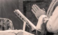Modlitwy nie pomogły. Polski ksiądz zakażony koronawirusem!