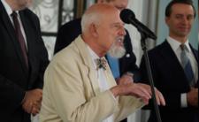 Korwin ogłosił koniec epidemii COVID-19.  Konferencja prasowa