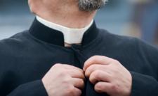 Ksiądz nie chce się modlić za chorych. Powodem tęcza i LGBT