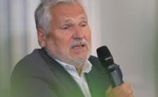 Aleksander Kwaśniewski cierpi po COVID-19. Czy wróci kiedyś dla zdrowia?