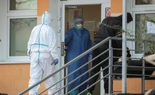 Lekarz przewiduje, ilu Polaków zachoruje na COVID-19