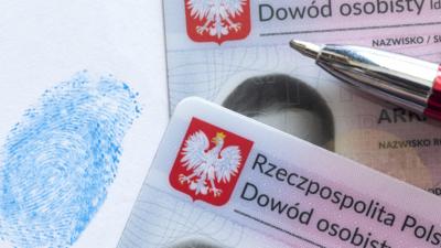 Wymiana dowodów osobistych w Polsce - po co urzędnikom dane biometryczne?