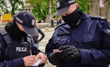 Policja wychodzi na ulice. Będą karać za źle założone maseczki