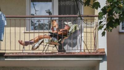 Opalanie na balkonie jest legalne?