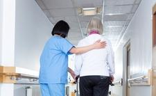 Pielęgniarka zarażona koronawirusem. Czy zakaziła pacjentów?