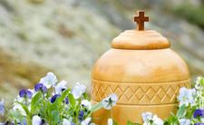 Polacy przekonają się do kremacji?