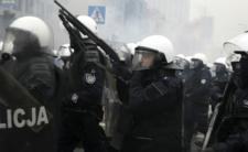 Policja stłumi protesty bronią?