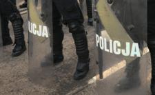 Policjanci zaatakowali imprezowiczów