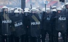 Policja zbroi się DO TŁUMIENIA ZAMIESZEK. Kupują m.in. armatki wodne