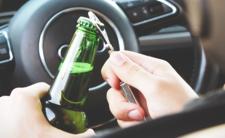 Wpływ piwa na zdrowie może być zabójczy bo znaleźli szkło w butelce