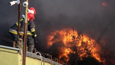 Wybuch gazu w kamienicy! Płonie budynek, na miejscu zastępy straży