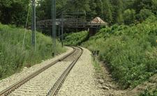 Śmiertelny wypadek w Wawrze. Pociąg potrącił 17-latkę