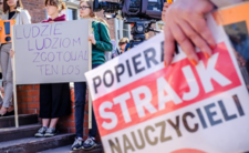 Strajk nauczycieli może przenieść się na wrzesień