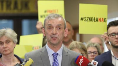 Szef ZNP poinformował o zawieszeniu strajku