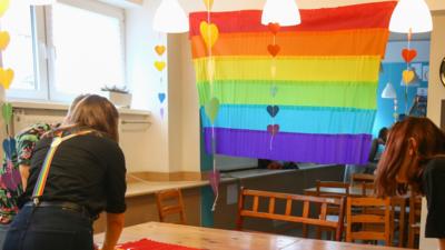 Gwiazdy wspierają LGBT w szkołach - tęczowy piatek powraca