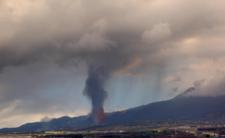 Z powodu wybuchu wulkanu Cumbre Vieja  toskyczna chmura w niedzielę dotrze do Polski