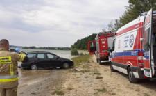 Wypadek samochodowy na plaży