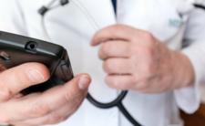 Rejestracja SMS na szczepienia może być niebezpieczna