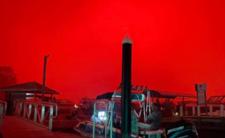 Pożar w Australii - czerwone niebo, ogień i śmierć