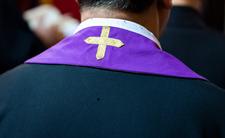 Biskup korzystał z aplikacji randkowej dla gejów